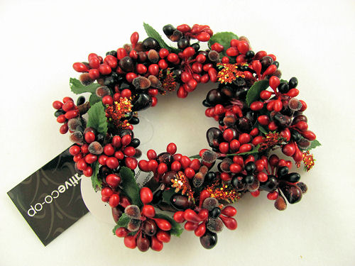 Christmas Pip Berry Candle Ring